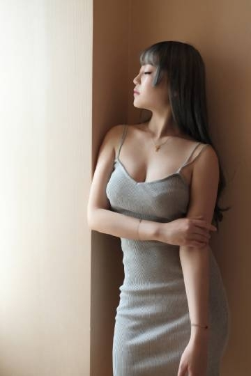 大胸美女酥胸翘臀性感人体艺术诱惑写真