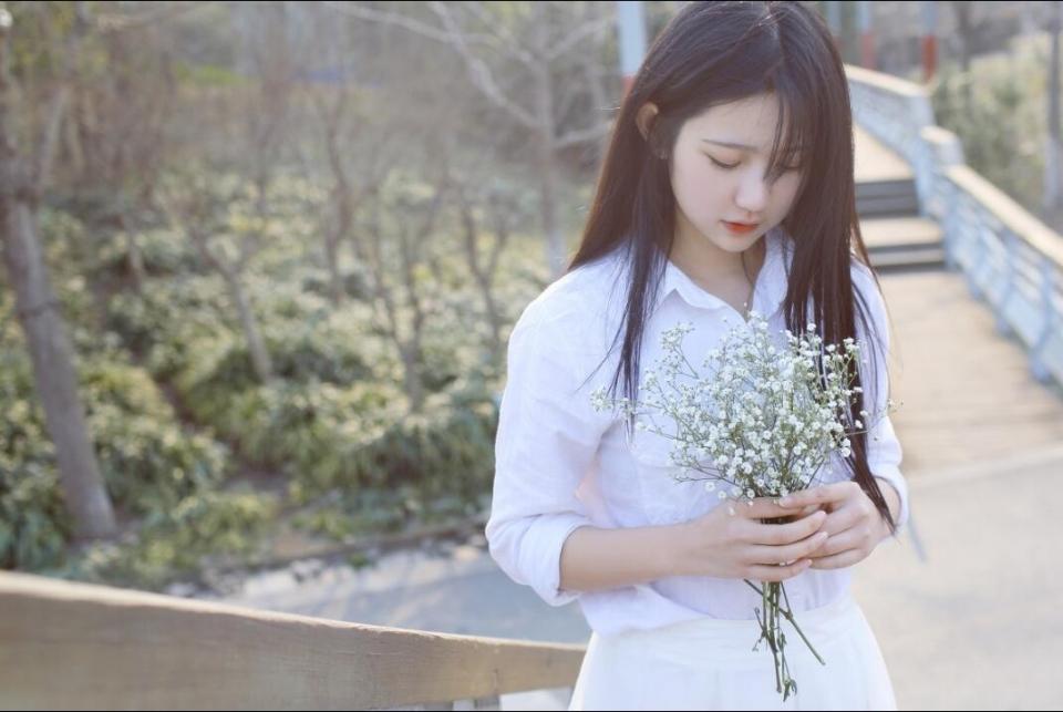城市户外清纯迷人日系美女高清写真