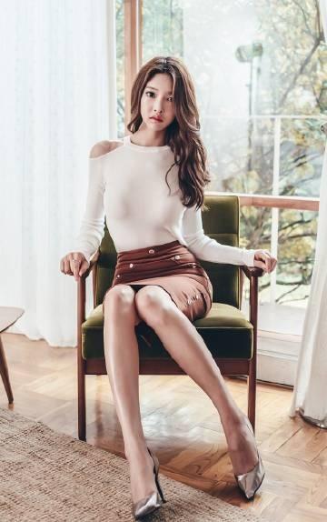 韩国美女模特性感长腿诱惑撩人写真