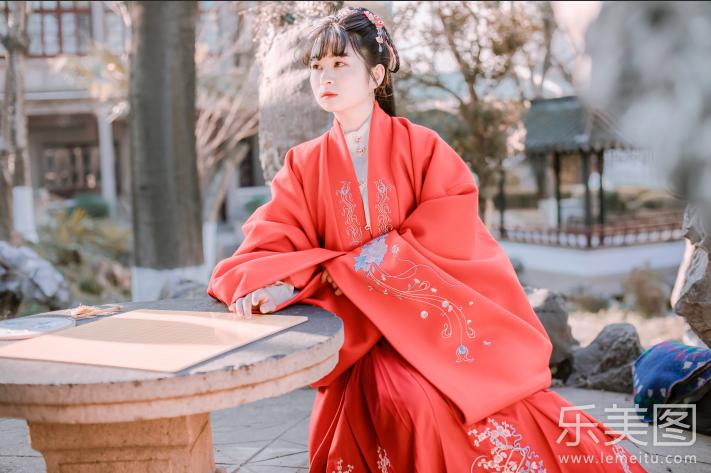 古装红色汉服美少女