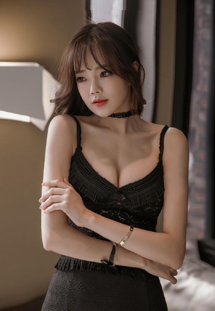养眼美女性感超短裙诱惑撩人写真