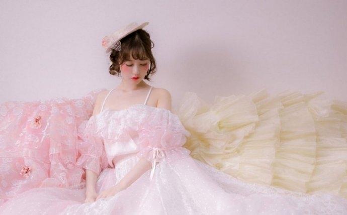 清纯美女纱裙妩媚性感诱惑写真