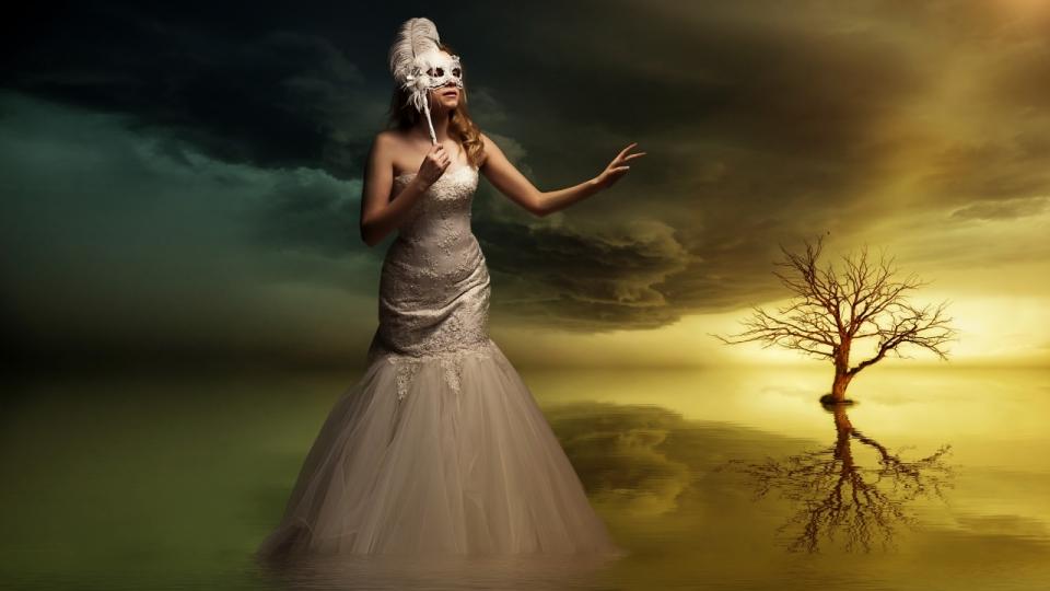 美女面具婚纱春节树木天空